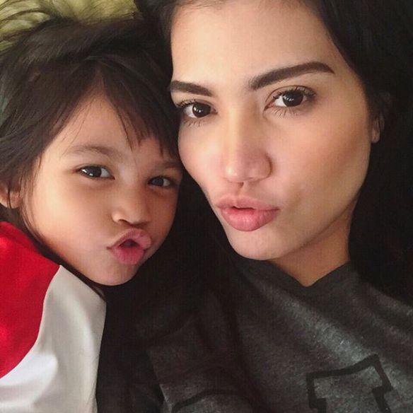 Elyana Tidak Boleh Hamil Lagi, Mahu Ambil Anak Angkat
