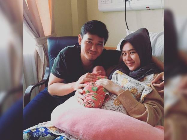 Nubhan Dan Isteri Kini Bergelar Ibu Dan Bapa