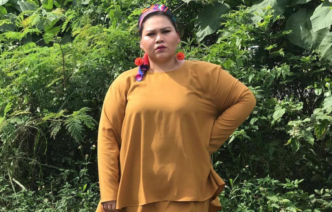 Sherry AlHadad melaram 10 pasang baju raya