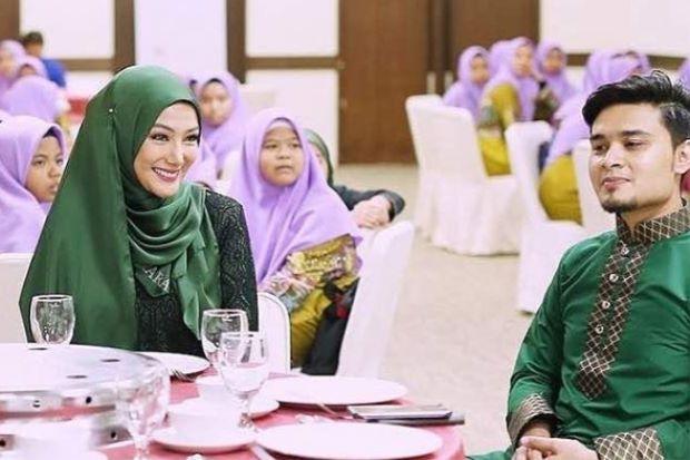Shahir & Erra Dah Berani Pakai Sedondon