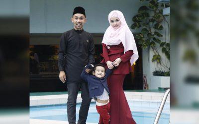 Hafiz Hamidun Raya Dengan Isteri Dan Anak Tiri