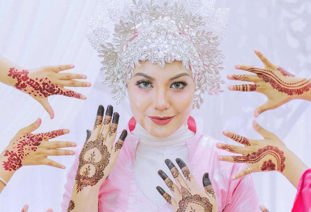 Anis Al Idrus Menawan Bagai Cik Siti Wan Kembang