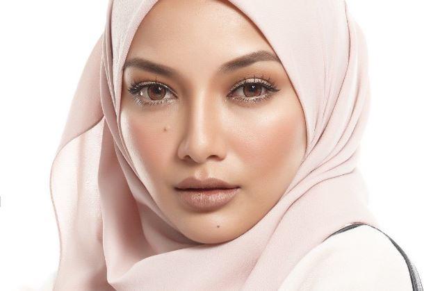 'Orang Gila Pakai Tudung Lebih Sempurna' Netizen Tidak Setuju Neelofa Pakai Turban Nampak Leher