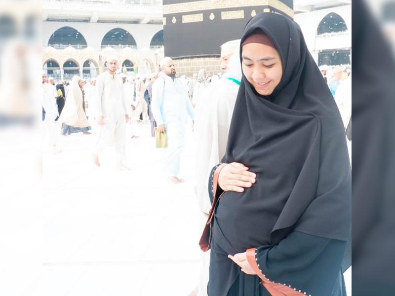 Hamil Bukan Alasan Oki Setiana Dewi Tunai Haji