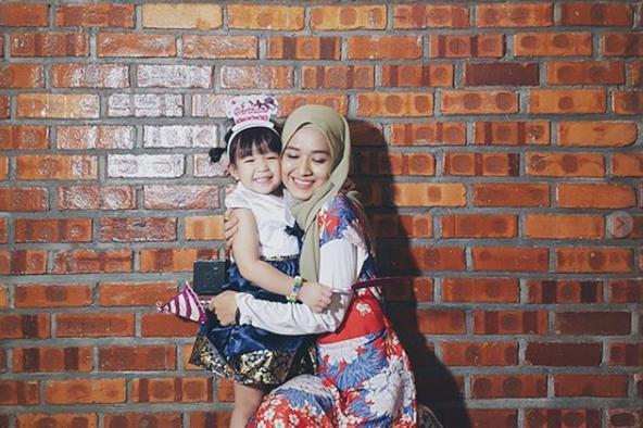 Setahun Solo, Farah Lee Buat Pengikut Instagram Tersentuh