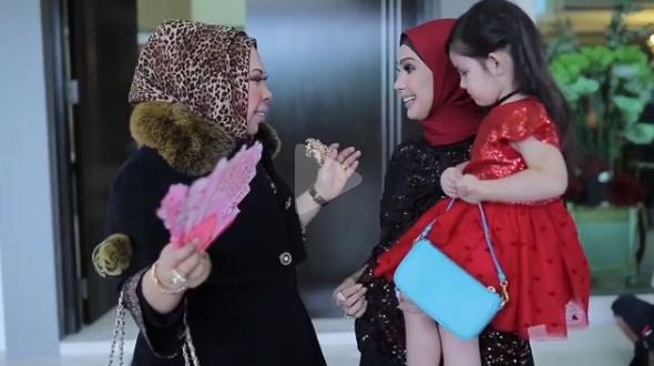 [VIDEO] Wow, Ini Bilik Ke Butik Mewah? Seronok Tengok Bilik Wardrobe Datuk Seri Vida!