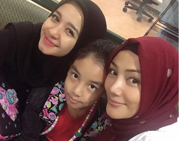 Erra Fazira Jalin Silaturrahim Yang Baik Dan Seikhlasnya Dengan Laudya Cynthia Bella Demi Anak
