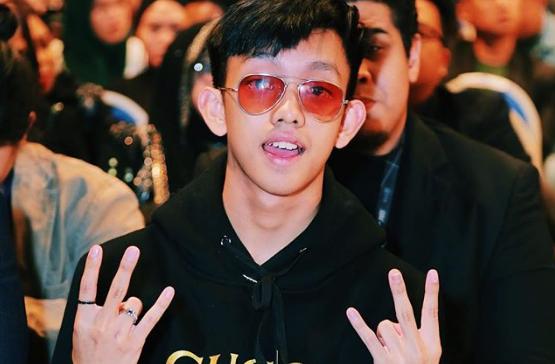 'Mana Ada Kpop'- Netizen Puji MV Luar Biasa Ismail Izzani