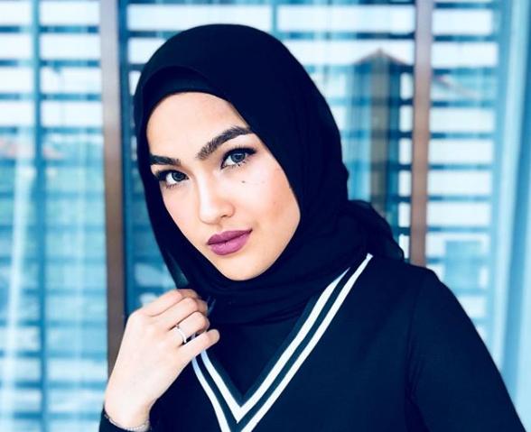 Kerap Kongsi Luahan Rasa Di Instagram, Ramai Netizen Lelaki Mula 'Takut' Dengan Ibu Elfira Loy?