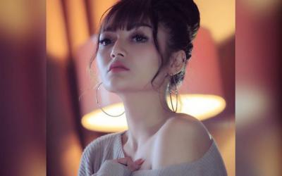 [GAMBAR] Memang Cantik. Ini Dia Penyanyi Lagu Lagi Syantik, Siti Badriah Yang Ramai Tak Tahu!