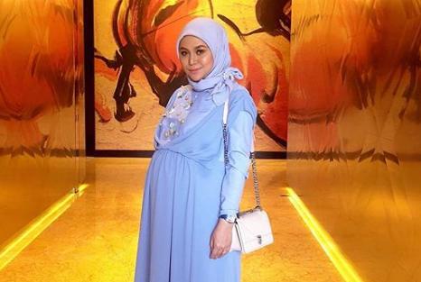 """""""InsyaAllah, Minggu Depan Saya Akan Bersalin. Doa-Doakan… – Farina AF8 Tak Sabar Menanti Cahaya Mata di Bulan Ramadan"""